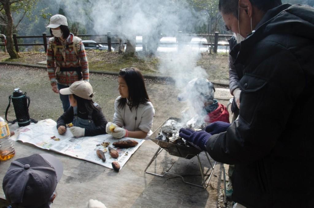 里山保全活動 植樹 きのえきプロジェクト 体験 東峰村ポーン太の森キャンプ場